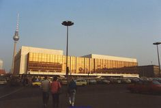 East Berlin - 1989 - Palast der Republik (DDR Parliament) | Flickr …