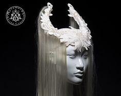 Art wig Black headdress witch horn headpiece por MetamorphQC
