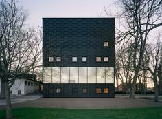Completed in 2008 in Kalmar, Sweden. Images by Åke E:son Lindman. The new Kalmar Museum of Art is the result of a winning proposal in the open international competition in 2004 and will be inaugurated in Architecture Du Japon, Black Architecture, Scandinavian Architecture, Cultural Architecture, Amazing Architecture, Contemporary Architecture, Architecture Design, Public Architecture, Japanese Architecture