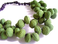 BEGONA RENTERO: Necklace Qinhuai, Olive