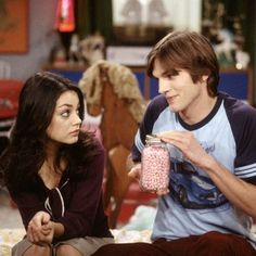FINALLY Kelso and Jackie are getting married! The on-screen love between Mila Kunis and Ashton Kutcher on That Show turns out to be real. The two are now engaged! Best Tv Couples, Real Couples, Best Couple, Celebrity Couples, Cutest Couples, Movie Couples, Celebrity Style, That 70s Show, 70 Show