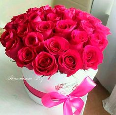 Amazing Flowers, Beautiful Roses, Fresh Flowers, Beautiful Flowers, Bouquet Box, Red Rose Bouquet, Pink Roses, Pink Flowers, Flower Decorations