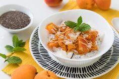 Tvarohový krém s marhuľami, kokosom a chia semienkami Tofu, Cantaloupe, Smoothie, Healthy Recipes, Vegan, Fruit, Desserts, Fitness, Hampers