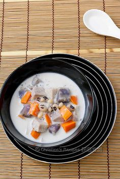 ... sweet coconut soup, delicious sweet potatoes and tapioca pearls (sago
