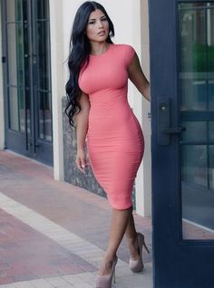 Womens Style Discover Charming Pencil Dress Outfits To Wear To Work - Dzinemag Charming Pencil Dress Outfits To Wear To Work Tight Dresses, Sexy Dresses, Tight Skirts, Hot Girls, Dress Skirt, Bodycon Dress, Sexy Women, Look Fashion, Womens Fashion