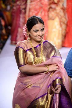 Vidya Balan walked the ramp for designer Gaurang on Day 2 of the ongoing Lakme Fashion Week Kanjivaram Sarees Silk, Blue Silk Saree, Kanchipuram Saree, Lehenga Choli, Bollywood Designer Sarees, Designer Silk Sarees, Bollywood Fashion, Rekha Saree, Lakme Fashion Week 2015
