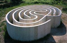 Robert Morris Laberinto de Pontevedra Robert Morris 1999. Isla de las Esculturas.