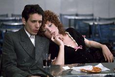 """Enzo Jannacci con Monica Vitti in """"Le coppie"""" (Epis. Il frigorifero)"""