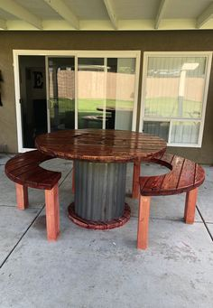 Wooden Spool turned into picnic table. Just in time for the summer. Wooden Spool turned into picnic table. Just in time for the summer. Diy Cable Spool Table, Wood Spool Tables, Spools For Tables, Sewing Tables, Wooden Cable Reel, Wooden Cable Spools, Wire Spool, Wooden Spool Projects, Diy Wood Projects