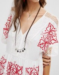 Идеи декора платьев машинной вышивкой.