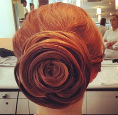 3 Bridal Hairstyle Ideas That Can Withstand Windy Fall Weather