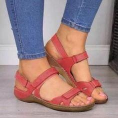 Boty - Dámské oblečení - Móda | PoštovnéZDARMA.cz Open Toe Sandals, Flat Sandals, Leather Sandals, Sandals Platform, Flat Shoes, Allbirds Shoes, Shoes Tennis, Sandal Wedges, Low Heel Sandals