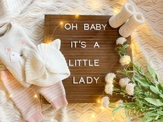 Baby Gender Announcements, Gender Reveal Announcement, Cute Pregnancy Announcement, Baby Announcement Pictures, Its A Girl Announcement, Gender Reveal Pictures, Gender Reveal Photography, Baby Shooting, Baby Gender Reveal Party