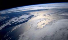 宇宙飛行士「景色がキレイすぎて運動が捗らん」 1