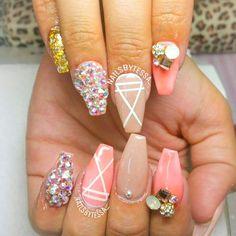 ✨ By: @nailsbytessa_ ---------------------------------------------------------- #nails #nail #fashion #style #hudabeauty #cute #beauty #beautiful #instagood #pretty #girl #girls #stylish #sparkles #styles #gliter #nailart #opi  #essie #unhas #preto #branco #rosa #love #shiny #polish #nailpolish #nailswag #anastasiabeverlyhills #vegas_nay