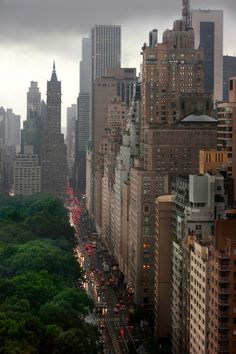 NYC - Central Park South - my favorite place on the planet Magic Places, Ville New York, Central Park Nyc, Voyage New York, Belle Villa, Blue Ridge Mountains, Jolie Photo, Concrete Jungle, Oh The Places You'll Go