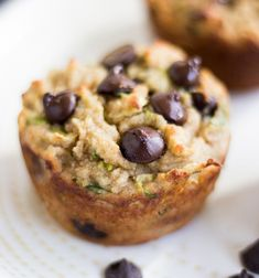 These Chocolate Chip Zucchini Muffins are super moist, healthy and perfect for breakfast or snacking. An easy recipe loaded with chocolate & zucchini. Banana Zucchini Chocolate Chip Muffins, Gluten Free Zucchini Muffins, Zucchini Banana, Apple Zucchini Muffins, Almond Flour Muffins, Almond Flour Recipes, Paleo Treats, Healthy Desserts, Healthy Meals