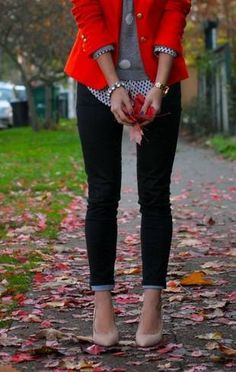 layers: skinny jeans, sweater with dress shirt and red cropped, nude shoes