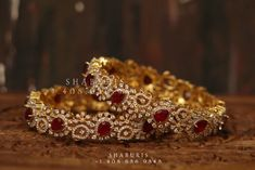 Gold Bangles Design, Gold Jewellery Design, Silver Jewelry, Jewelry Art, Beaded Jewelry, Indian Wedding Jewelry, Indian Jewelry, Bridal Jewelry, Indian Gold Bangles
