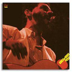 Gonzaguinha est un compositeur - interprète qui me clive régulièrement, capable du meilleur comme du pire. Au moins, il ne (me) laisse pas indifférent. J'ai découvert récemment ses qualités sur scène avec l'excellent Cavaleiro Solitário (1993), un album...