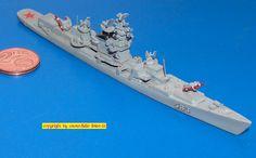 Russischer Lenkwaffen-Kreuzer CG der Kresta I-Klasse (Delphin 55) 1:1250