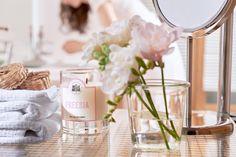 Freesia - #LaBelleMeche #BougieParfumee #ScentedCandle #lifestyle - Photographe : Blaise Arnold - Production : La Fabrique de Mai