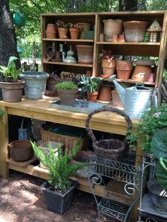 Fitted with that old sink … Totally cool & well-organized garden potting station. Fitted with that old sink basin. Storage Shed Kits, Garden Storage Shed, Garden Sheds, Storage Organization, Garden Shed Interiors, Bench Storage, Big Garden, Garden Pots, Garden Table