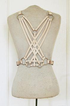 Obsessing over these leather harnesses from Zana Bayne. via Zana Bayne Leather Fashion Details, Diy Fashion, Womens Fashion, Fashion Design, Posture Collar, Steampunk Costume, Steampunk Fashion, Leather Harness, Alternative Fashion