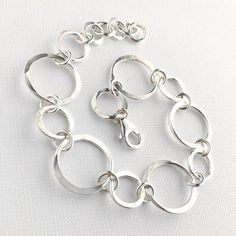 Hammered Silver Circles Bracelet - Sterling Silver Handmade Chain Bracelet - Silver Jewelry - Everyday Silver Bracelet - JEWELS I LUV, Silver Jewelry Box, Sterling Silver Bracelets, Silver Rings, Gold Jewellery, Gemstone Jewelry, Gucci Jewelry, Silver Bangles, Antique Jewelry, Argent Sterling
