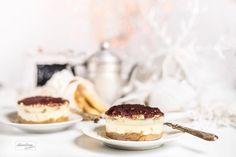 #christmas #tiramisu by #creamaricrea #foodphotography #lights #bright  #christmasphotoshoot #photo  #bokeh  #white #winter #natale #fotografia #dolci #styling #allestimenti #vintage #sweets #mascarpone #savoiardi #cacao