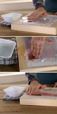 Para retirar o papel (deixando apenas a imagem na superfície), passe os dedos por cima, retirando o excesso.