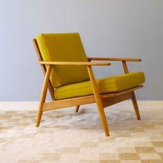 Butaca escandinava vintage tapizada en verde lima. Fauteuil scandinave vintage jaune