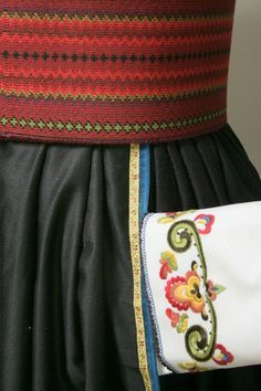 Folk Costume, Costumes, Tablet Weaving, Norway, Photo And Video, Beautiful, Fashion, Hipster Stuff, Moda