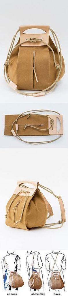 Uma bolsa e muitas ideias: Bastante interessante o modo de fechar e as alças para carregar a bolsa de três modos diferentes. A partir daí é criar o seu modelo.