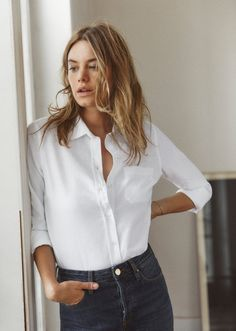 Nadire Atas on the Classic White Shirt Sezane Paris Launches La Liste Outfits Mujer, Tomboy Outfits, Mode Outfits, Tomboy Hair, Trendy Outfits, Fashion Outfits, Fashion Clothes, Fashion Boots, Fashion Jewelry