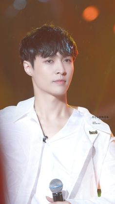 Lay - 160526 2016 Go Fighting Charity Party  Credit: Belongs To You. (2016极限挑战公益联欢会)