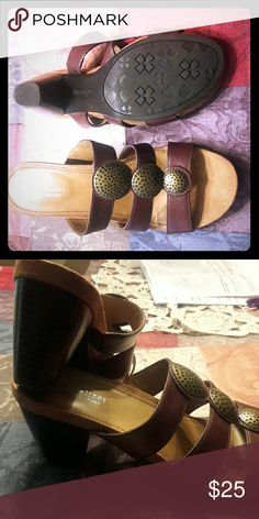 Naturalizer N5 comfort Gently used leather slide on heels Naturalizer Shoes Sandals