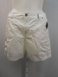 Style & Co White 4 Pocket Zipper & Button Flat Front Casual Shorts Size 18 #Styleco #CasualShorts