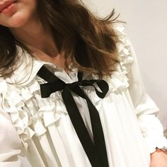 Gorgeous Zara blouse  #ruffles #zara #monochromeblouse