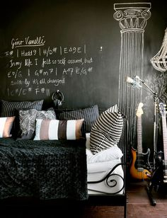 The chalkboard wall in the bedroom, with the potential for hand-drawn and constant variety, is genius.