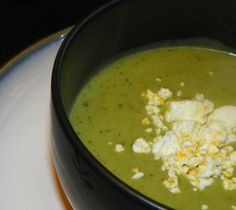Smooth Zucchini & Basil Soup