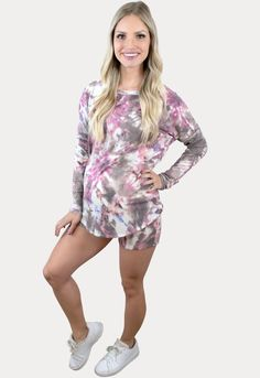 """""""Tie Dye Styles for Summer"""" Spring Maternity, Maternity Fashion, Cool Mom Style, Pregnancy Months, Bump Style, Long Sleeve Tops, Tie Dye, Idaho, Sexy"""