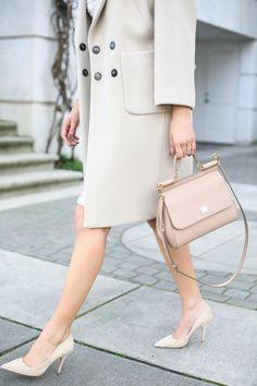 Стиль Шанель — идеально для женщин любого возраста. Будет в моде вне времени!