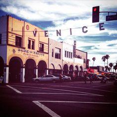 It's show time, Venice beach LA