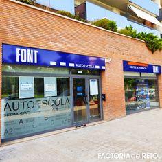 #retol #retolacio #vinil #bases #manresa #autoescola #factoria #factoriadelretol #wearefactoria #fdr Spa, Factors, Vinyls