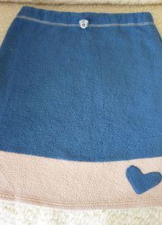 Kup mój przedmiot na #vintedpl http://www.vinted.pl/damska-odziez/spodnice/13667595-sliczna-bezowo-niebieska-spodnica-z-sercem