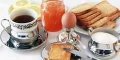Italian breakfast: all you need to know for a delicious start Italian Breakfast, What's For Breakfast, Diabetic Recipes, Diet Recipes, Diabetic Foods, Food Flashcards, Lower Blood Sugar Naturally, Food Vocabulary, Types Of Bread