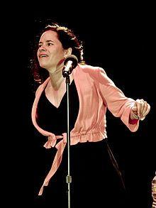 What Happened to Natalie Merchant - News & Updates  #NatalieMerchant #Tigerlily http://gazettereview.com/2016/11/happened-natalie-merchant-news-updates/