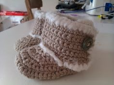 Crochet Baby Uggs - I'm definitely making these for the next baby that I know!!