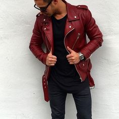 Do you know anyone who'd love this jacket? Tag them below By @kevin_kenneth #mensfashion_guide
